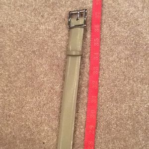Taupe leather belt, Nine West, medium with tags